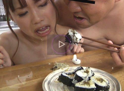 女性たちがウンコを食べさせられる動画 食糞 食べてはいけない汚物を食べる女失格人格崩壊映像