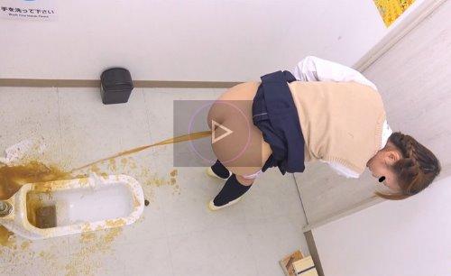 女子校生がトイレで下痢便を壁に噴射している動画 女子校休み時間 止まらない下痢便糞射3