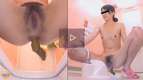 サウナで汗まみれの女の子がウンコ脱糞する動画 汗濁全裸脱糞女② 裸体に滴る汗とうんこ