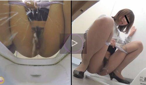 トイレでおしっこ我慢して感じちゃう女の子の動画 おしっこを途中で止めて感じる女たち